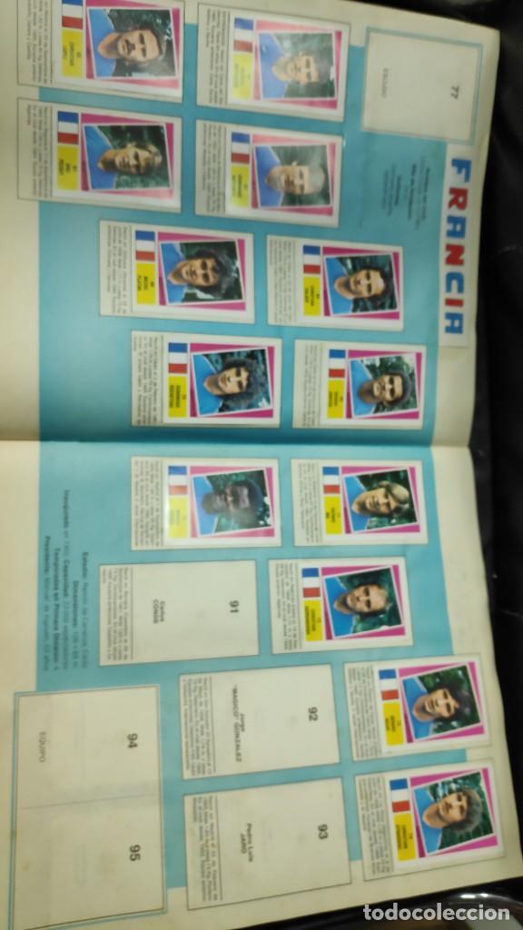Coleccionismo deportivo: CAMPEONATO MUNDIAL ARGENTINA 78 ( PEGADOS EN UN ALBUM AL QUE NO CORRESPONDEN ) INCOMPLETO - Foto 7 - 207285602