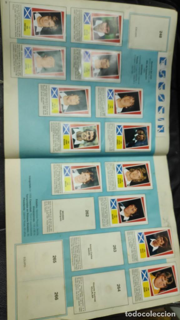 Coleccionismo deportivo: CAMPEONATO MUNDIAL ARGENTINA 78 ( PEGADOS EN UN ALBUM AL QUE NO CORRESPONDEN ) INCOMPLETO - Foto 18 - 207285602