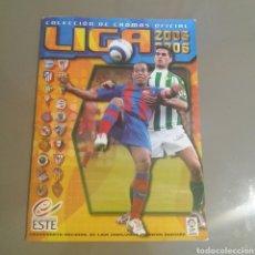 Coleccionismo deportivo: ÁLBUM 2005/06 CON MESSI.FALTAN 2 CROMOS. Lote 213945101