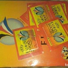 Coleccionismo deportivo: PANINI EURO 2000. ALBUM VACIO CON 7 SOBRES SELLADO.. Lote 214252430