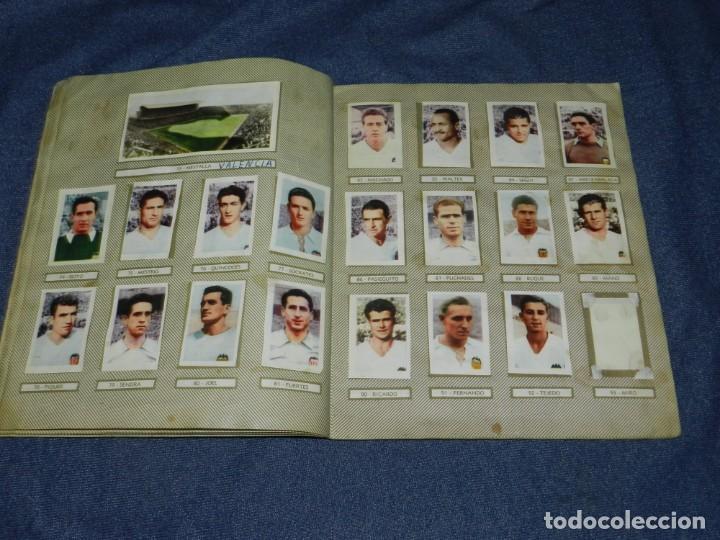 Coleccionismo deportivo: ALBUM CAMPEONATOS NACIONALES FUTBOL 1959 , FALTAN 12 CROMOS, EDT RUIZ ROMERO, BARCELONA - Foto 7 - 214419866