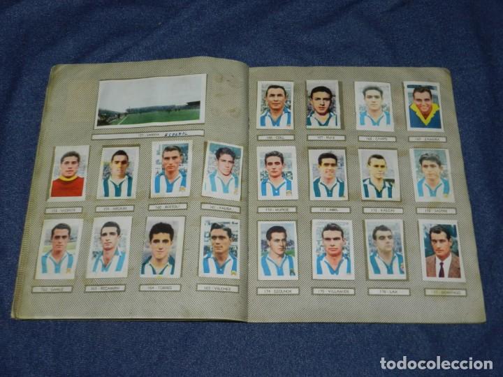 Coleccionismo deportivo: ALBUM CAMPEONATOS NACIONALES FUTBOL 1959 , FALTAN 12 CROMOS, EDT RUIZ ROMERO, BARCELONA - Foto 11 - 214419866