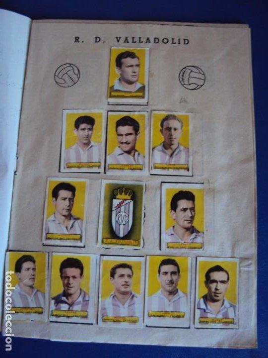 Coleccionismo deportivo: (F-200898)ALBUM ASES DEL FUTBOL AZAFRAN EL NIÑO - AÑOS 50 - FALTA 1 CROMO - Foto 2 - 215803098
