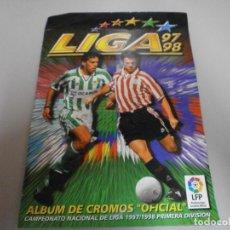 Colecionismo desportivo: ALBUM MUY COMPLETO LIGA 97 98 ESTE MUCHOS DOBLES Y UNTIMOS FICHAJES FOTOS DE TODAS LAS HOJAS. Lote 218077883