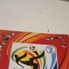 Colecionismo desportivo: C-5 ALBUM SOUTH AFRICA 2010 MAL ESTADO ALGUNOS CROMOS PEGADOS DE OTRA COLECCION. Lote 218747351
