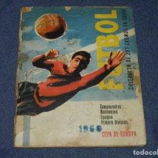 Coleccionismo deportivo: ALBUM FUTBOL CAMPEONATOS NACIONALES EQUIPOS PRIMERA DIVISION 1960 , EDT RUIZ ROMERO, SEÑALES DE USO. Lote 222546386