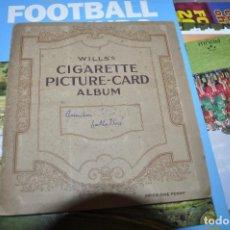 Colecionismo desportivo: ALBUM FUTBOL INGLÉS WILLS´S CIGARETTE PICTURE-CARD FALTAN 4 CROMOS DE LOS 50.FUTBOL INGLÉS COLECCION. Lote 223772132