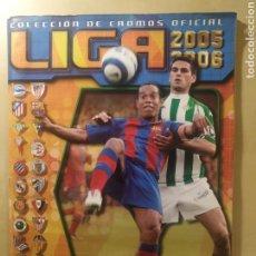 Coleccionismo deportivo: ÁLBUM LIGA ESTE 05 06 - 471 CROMOS, CON COLOCAS, BAJAS, ÚLTIMOS FICHAJES. Lote 232869630