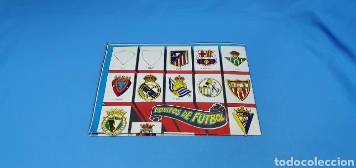 PÓSTER DE ESCUDOS - EQUIPOS DE FUTBOL 1A Y 2A DIVISIÓN, MEDIDAS: 98 × 68 CM. (Coleccionismo Deportivo - Álbumes y Cromos de Deportes - Álbumes de Fútbol Incompletos)