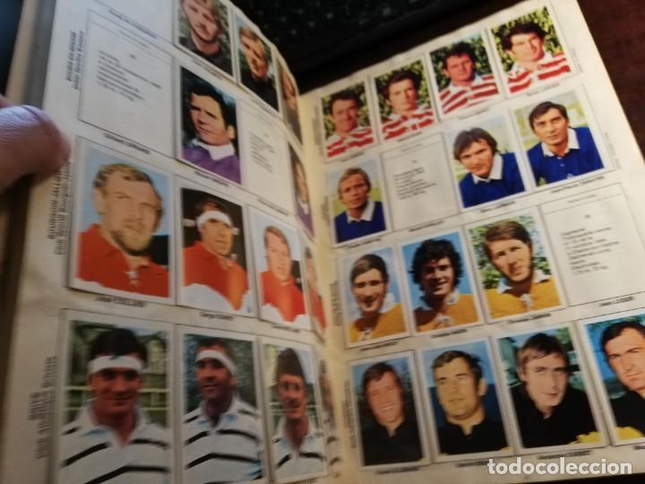 Coleccionismo deportivo: LOTE 3 ALBUMS DE CROMOS LIGA DE FUTBOL Y ETOILES DE RUGBY Y DE FOOTBALL FRANCIA Y LOTE DE CROMOS - Foto 4 - 253926600