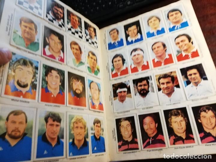 Coleccionismo deportivo: LOTE 3 ALBUMS DE CROMOS LIGA DE FUTBOL Y ETOILES DE RUGBY Y DE FOOTBALL FRANCIA Y LOTE DE CROMOS - Foto 14 - 253926600