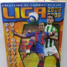 Coleccionismo deportivo: ALBUM LIGA 2005/06 COLECCIONES ESTE CON 369 CROMOS CON MESSI Y RAMOS SEVILLA. Lote 255574415