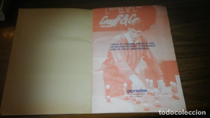 Coleccionismo deportivo: APRENDE A JUGAR A FUTBOL CON JOHAN CRUYFF ( GEPRODESA, 1984) - INOMPLETO A FALTA SOLO DE 2 CROMOS - Foto 2 - 255597635