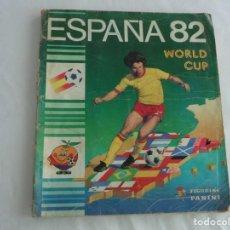 Coleccionismo deportivo: ALBUM CON CROMOS WORLD CUP ESPAÑA 82 PANINI INCOMPLETO - INCLUYE EL CROMO DE MARADONA. Lote 255923315