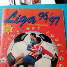 Coleccionismo deportivo: ALBUM LIGA 96/97 PANINI LE FALTAN 6 CROMOS Y 32 FICHAJES EN BUEN ESTADO. Lote 273203978