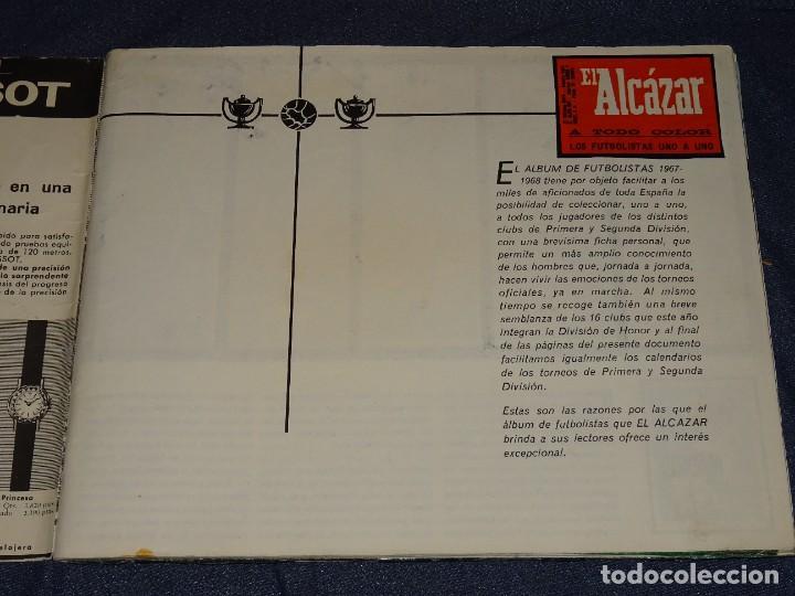 Coleccionismo deportivo: ALBUM FUTBOLITICO 1967 / 1968 EL ALCAZAR, MADRID - FALTAN 14 CROMOS, SEÑALES DE USO NORMALES - Foto 2 - 274207553