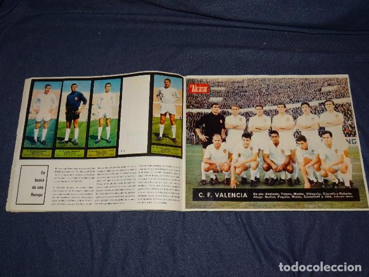 Coleccionismo deportivo: ALBUM FUTBOLITICO 1967 / 1968 EL ALCAZAR, MADRID - FALTAN 14 CROMOS, SEÑALES DE USO NORMALES - Foto 15 - 274207553