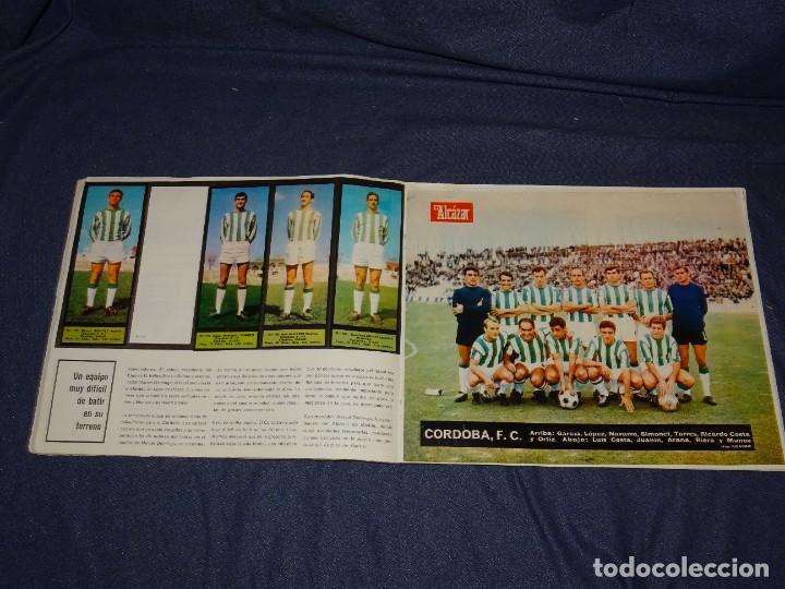 Coleccionismo deportivo: ALBUM FUTBOLITICO 1967 / 1968 EL ALCAZAR, MADRID - FALTAN 14 CROMOS, SEÑALES DE USO NORMALES - Foto 27 - 274207553