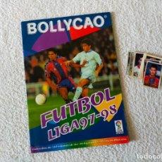 Coleccionismo deportivo: ALBUM FUTBOL LIGA 97-98 + LOTE DE CROMOS SIN PEGAR - BOLLYCAO 1997-1998. Lote 288644518