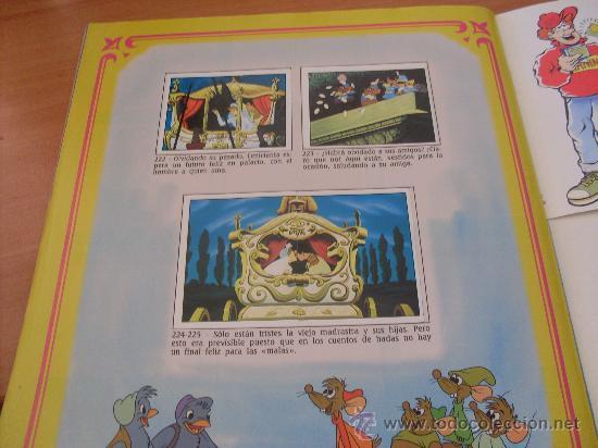 Coleccionismo Álbumes: LAS TRES MELLIZAS Y COMPAÑIA PANINI ( ALBUM CASI COMPLETO , FALTAN 18 CROMOS DE 140 ) (CO1) - Foto 2 - 25394916