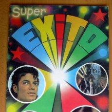Coleccionismo Álbumes: SUPER ÉXITO - EDIT. MAGA 1984 - TIENE 42 CROMOS. Lote 27152378