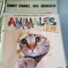 Coleccionismo Álbumes: ALBUM ANIMALES 2012 PANINI CON 5 CROMOS. Lote 39055708