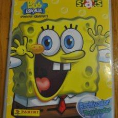 Coleccionismo Álbumes: PANINI 2011 BOB ESPONJA STAKS ALBUM ARCHIVADOR BASTANTE COMPLETO 194 STAKS DIFERENTES !!!. Lote 39439274