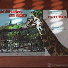 Coleccionismo Álbumes: ALBUM DE ANIMALES DE ZOO OBSEQUIO CERVEZAS EL TURIA CON 53 CROMOS PEGADOS. Lote 46222465