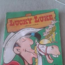 Coleccionismo Álbumes: LUCKY LUKE - ESTE - CON 119 CROMOS - MAS 8 TEJANAS CON RELIEVE MATUTANO PEGADAS EN LAS HOJAS. Lote 58117937