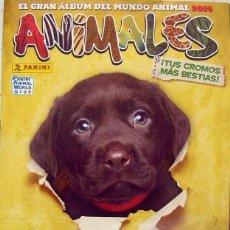 Coleccionismo Álbumes: EL GRAN ALBUM DEL MUNDO ANIMAL PANINI ALBUM DE CROMOS VACIO CON 6 CROMOS. Lote 62428664