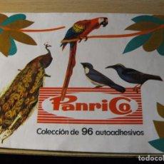 Coleccionismo Álbumes: ALBUM CROMOS PANRICO . CON 31 AUTOADHESIVOS AVES PAJAROS 1972 INCOMPLETO. Lote 68426389
