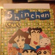 Coleccionismo Álbumes: ALBUM CROMOS SHIN CHAN STAKS + 14 STAKS PANINI. Lote 73431383