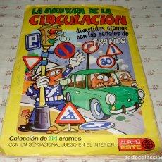 Coleccionismo Álbumes: ALBUM LA AVENTURA DE LA CIRCULACION (SOLO FALTA UN CROMO Nº7 Y EL POSTER JUEGO) 1973 EDICIONES ESTE. Lote 95169223