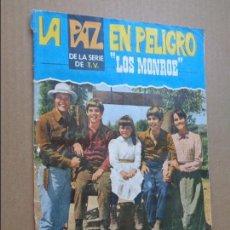 Coleccionismo Álbumes: ALBUM DE CROMOS INCOMPLETO, LA PAZ EN PELIGRO, LOS MONROE. ED FHER. 138 DE 162 CROMOS. Lote 95821467