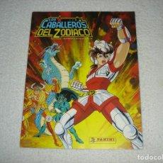 Coleccionismo Álbumes: ALBUM DE CROMOS: LOS CABALLEROS DEL ZODIACO - PANINI 1986. Lote 130729134