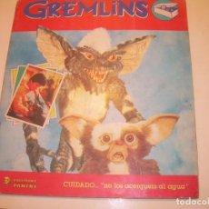 Coleccionismo Álbumes: ALBUM DE CROMOS.... GREMLINS...VER FOTOS.HAY MUCHAS DE TODAS LAS PAGINAS.. Lote 133478490
