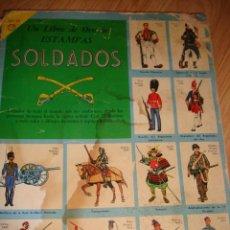 Coleccionismo Álbumes: ALBUM DE CROMOS LIBRO DE ORO DE ESTAMPAS DEL SOLDADO, IMPRESO EN MEXICO 1959 ALBUM DE CROMOS LIBRO. Lote 135544470