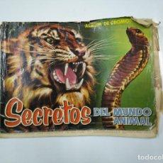 Coleccionismo Álbumes: ALBUM DE CROMOS SECRETOS DEL MUNDO ANIMAL. INCOMPLETO. EDITORIAL ROLLAN MADRID 1958. TDKC38. Lote 139415970