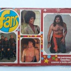 Coleccionismo Álbumes: ANTIGUO ALBUM DE CROMOS FANS - HEROES DE TV Y FAMOSOS DEL CINE - CON 164 CROMOS DE 182. Lote 140864890