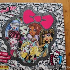 Coleccionismo Álbumes: ALBUM MONSTER HIGH CON 40 CROMOS . Lote 146213218