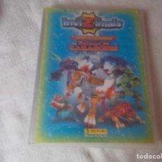 Coleccionismo Álbumes: INVIZIMALS BATALLA DE CAZADORES CON 4 CARTAS EDICIÓN LIMITADA. Lote 161886710