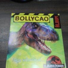 Coleccionismo Álbumes: ALBUM INCOMPLETO. BOLLYCAO. EL MUNDO PERDIDO. JURASSIC PARK. VACIO, SOLO 2 CROMOS. VER FOTOS.. Lote 192856572