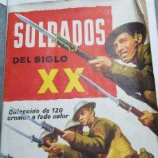Coleccionismo Álbumes: ALBUM CASI COMPLETO RUIZ ROMERO SOLDADOS SIGLO XX. Lote 174500063