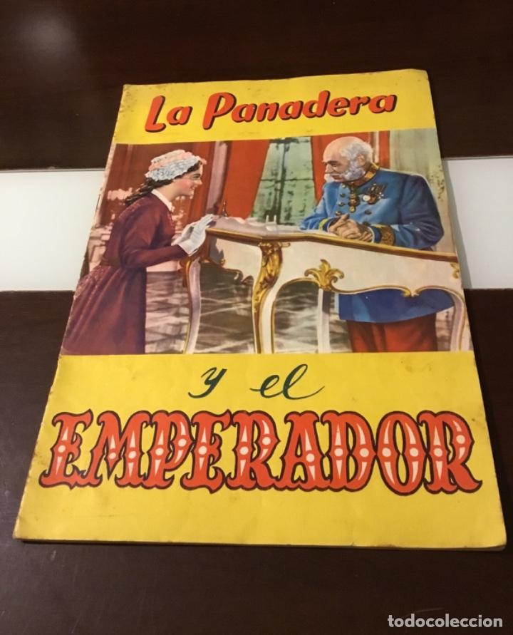 ANTIGUO ÁLBUM DE CROMOS LA PANADERA Y EL EMPERADOR VACÍO (Coleccionismo - Cromos y Álbumes - Álbumes Incompletos)