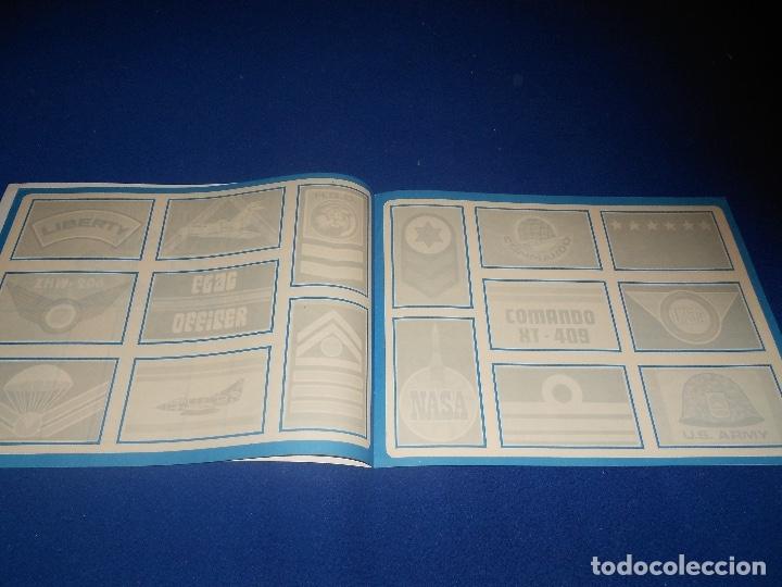 Coleccionismo Álbumes: ALBUM CROMOS, INSIGNIAS MILITARES, NO COMPLETO, RUIZ ROMERO, 1971 Compartir lote - Foto 3 - 178571226