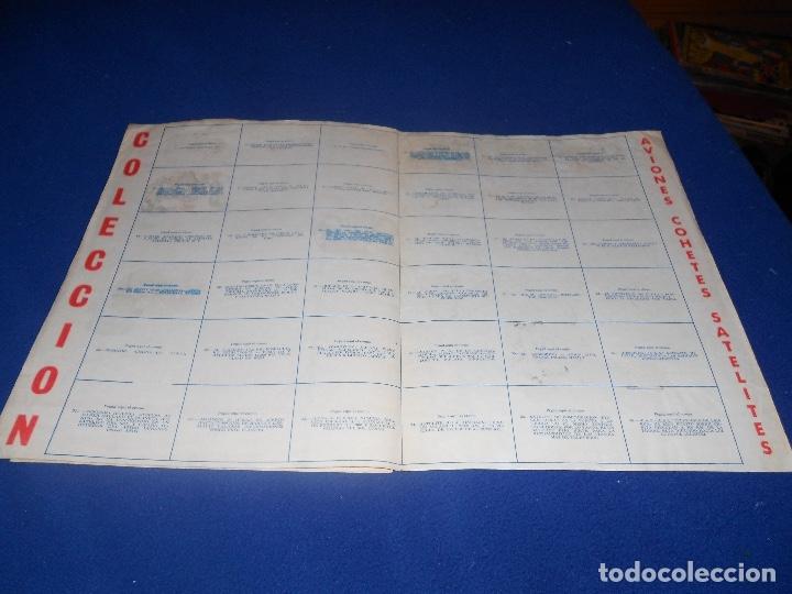 Coleccionismo Álbumes: 2 ÁLBUM VACÍO COSMOS GOMA HINCHABLE CHICLE COLECCIÓN DE LOS GRANDES PREMIOS 1969 MUY BUEN ESTADO - Foto 2 - 178594428