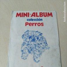 Coleccionismo Álbumes: MINI ALBUM COLECCION PERROS PHOSKITOS . FALTAN 2 CROMOS . Lote 179234486