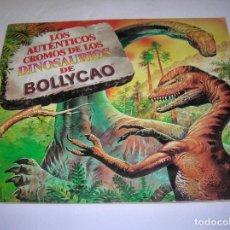 Coleccionismo Álbumes: ALBUM DE CROMOS DINOSAURIOS DE BOLLYCAO CASI COMPLETO FALTAN 7 CROMOS. Lote 183432790