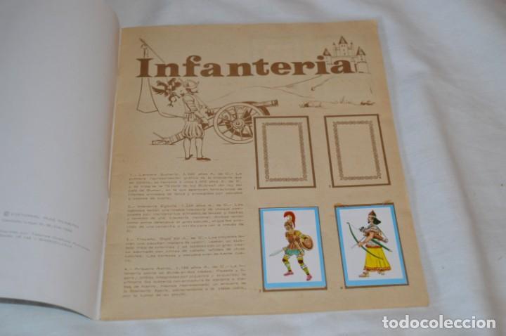 Coleccionismo Álbumes: ANTIGUO / VINTAGE - Álbum INFANTERÍA - Editorial RUIZ ROMERO - Años 60 - Buen estado - ¡Mira! - Foto 3 - 189253240