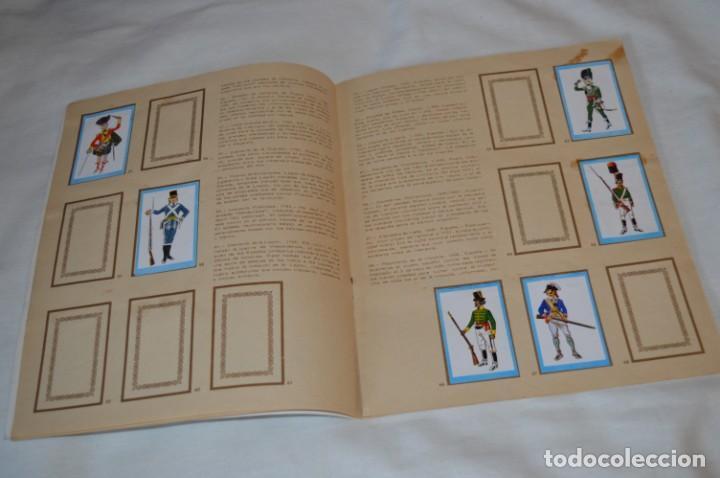 Coleccionismo Álbumes: ANTIGUO / VINTAGE - Álbum INFANTERÍA - Editorial RUIZ ROMERO - Años 60 - Buen estado - ¡Mira! - Foto 8 - 189253240